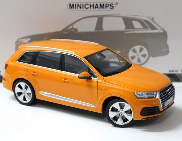 Audi Q7 2015 Oranje 1:18 Minichamps Limited 300 Pieces