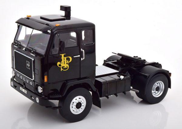 Volvo F88 JPS F1-Team Zwart / Goud 1-18 MCG Models ( Metaal )