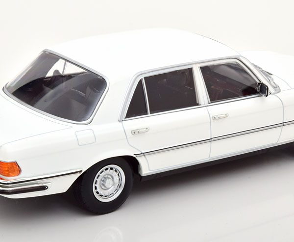 Mercedes-Benz 450 SEL 6.9 ( W116 ) 1975-1980 Wit 1-18 Iscale ( Metaal )