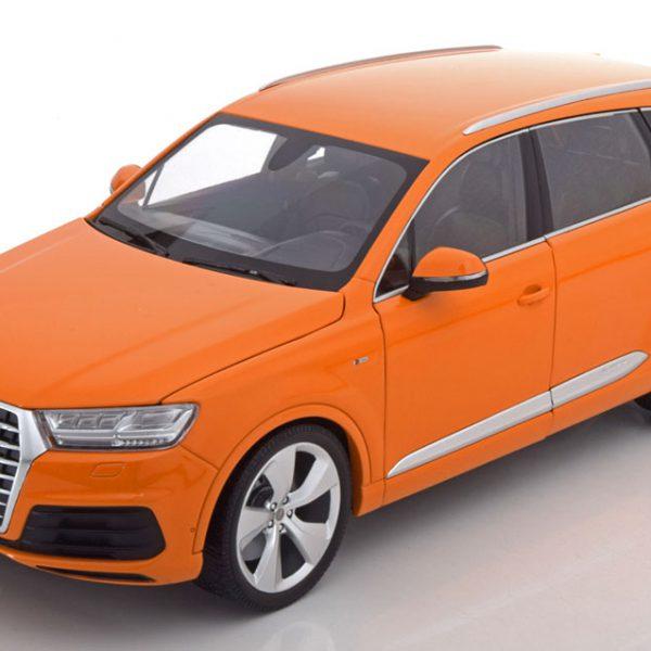 Audi Q7 2015 Oranje 1:18 Minichamps Limited 300 Pieces