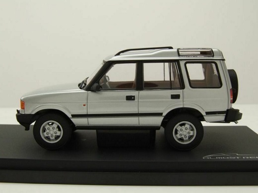 Land Rover Discovery 1 1994 Zilver 1-43 Almost Real