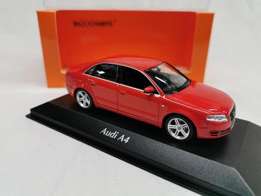 Audi A4 Limousine 2004 Rood 1-43 Maxichamps