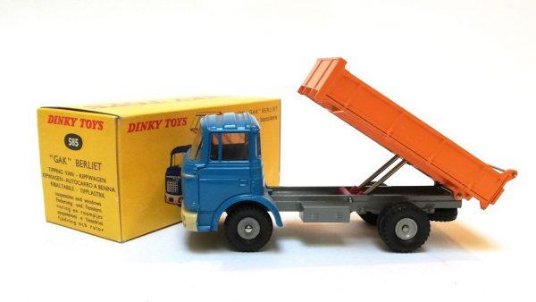 "Berliet Camion ""Gak"" Benne Basculante 1-43 Dinky Toys ( Atlas )"