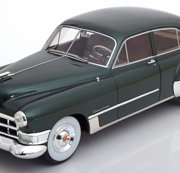 Cadillac Serie 62 Touring Sedan 1949 Donkergroen Metallic 1-18 CMF Limited 300 Pieces ( Resin )