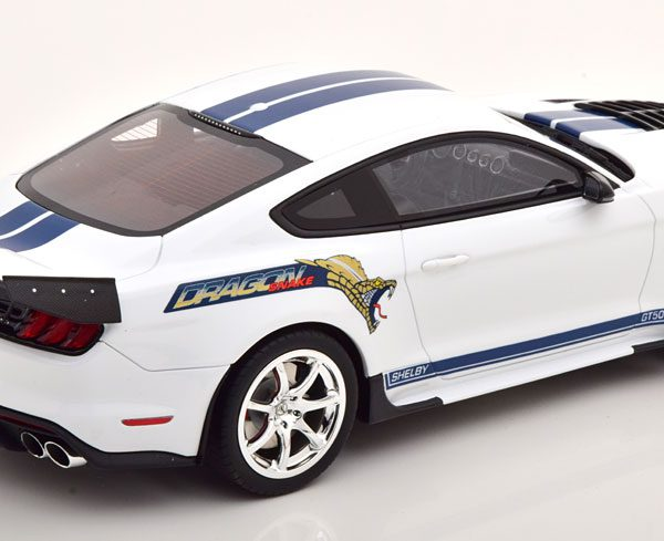 """Shelby GT500 """"Dragon Snake"""" 2020 Wit / Blauw 1-18 GT Spirit Limited 1200 Pieces"""