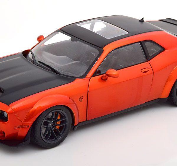 Dodge Challenger SRT Hellcat Redeye 2020 Oranje Metallic / Matzwart 1-18 Solido