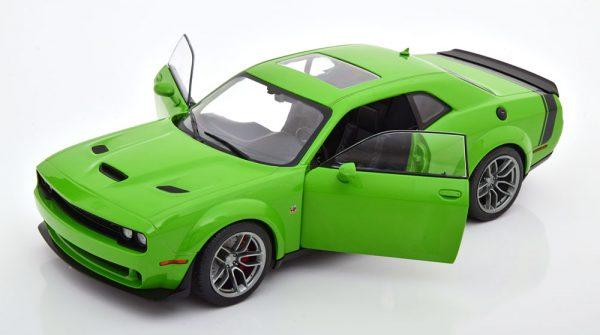 Dodge Challenger SRT Hellcat Scat Pack 2020 Groen 1-18 Solido