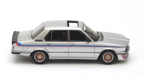 BMW M535I E12 1978 Zilver 1-43 Neo Scale Models