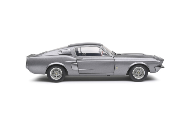 Shelby GT500 1967 Grijs / Zwarte Strepen 1-18 Solido