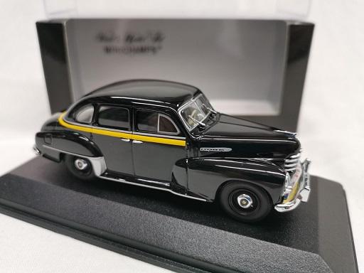 """Opel Kapitän 1951 """"Taxi"""" Zwart 1-43 Minichamps Limited 1008 Pieces"""