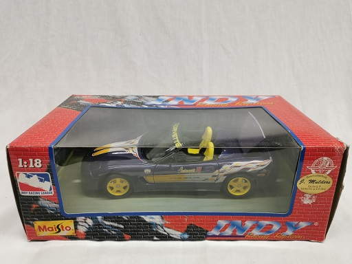 "Chevrolet Corvette ""Pacecar Indianapolis 500 24 May 1998"" Paars / Geel 1-18 Maisto"