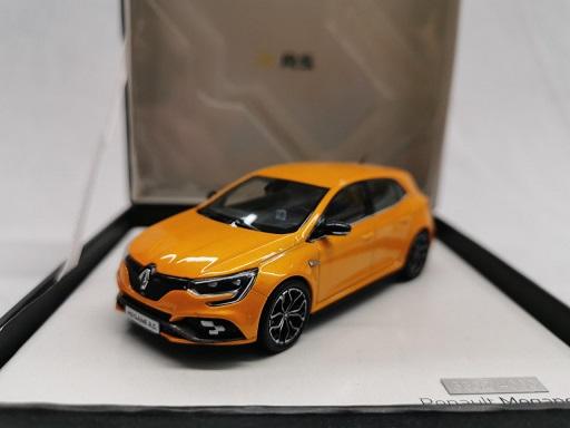 Renault Megane R.S. 2018 Orange 1-43 Norev Giftbox