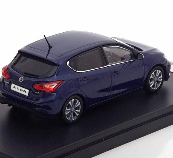 Nissan Pulsar 2015 Blauw Metallic 1-43 PremiumX