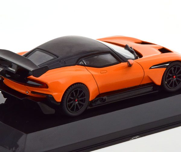 Aston Martin Vulcan 2015 Oranje / Zwart 1-43 Altaya Supercars Collection