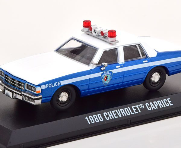"""Chevrolet Caprice 1986 """"Home Alone"""" Police 1-43 Greenlight Collectibles"""