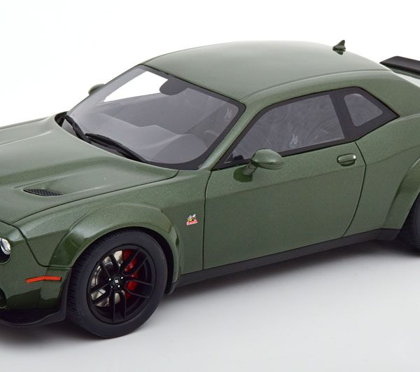 Dodge Challenger R/T Scat Pack 2019 Groen Metallic 1-18 GT Spirit Limited 999 Pieces