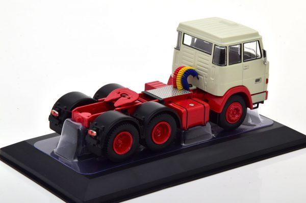 Henschel HS19 TS 1966 Grijs / Rood 1-43 Ixo Models