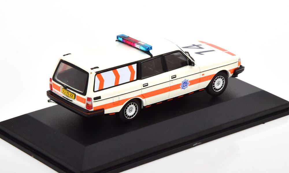 "Volvo 240 ""Politie Nederland"" 1983 Wit / Oranje 1:43 Triple 9 Collection Limited 504 Pieces"