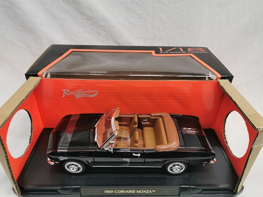 Chevrolet Corvair Monza Cabriolet 1969 Zwart 1-18 Lucky Diecast