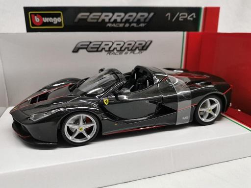 """Ferrari """"La Ferrari"""" Aperta 2016 Zwart 1-24 Burago"""