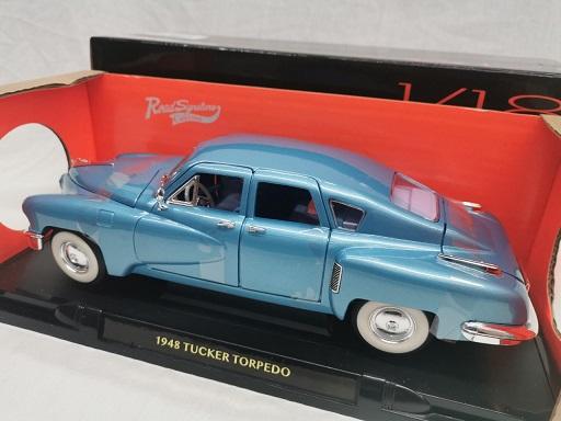 Tucker Torpedo 1948 Blauw Metallic 1-18 Lucky Diecast