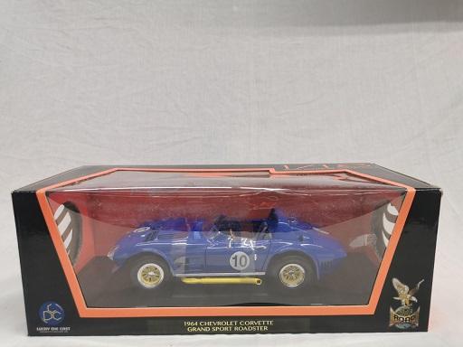 Chevrolet Corvette Grand Sport Roadster 1964 #10 Blauw 1-18 Lucky Diecast