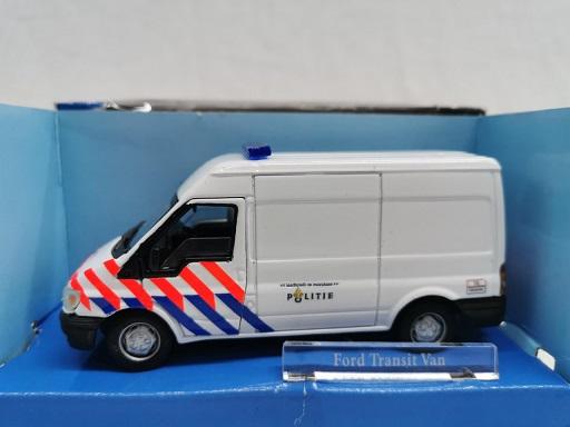 Ford Transit Van Nederlandse Politie ( Old Striping ) omgebouwd 1-43 Cararama