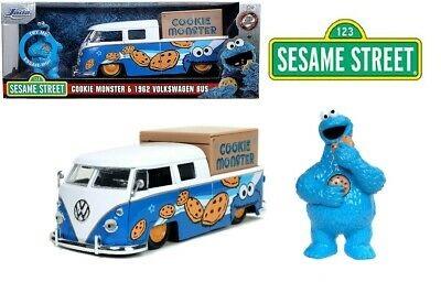 Volkswagen Pickup 1963 + Cookie Monster Figuur (Blauw) 1/24 Jada Toys