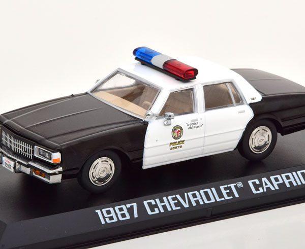 """Chevrolet Caprice 1987 """"Terminator 2 Judgement Day"""" Wit / Zwart 1-43 Greenlight Collectibles"""