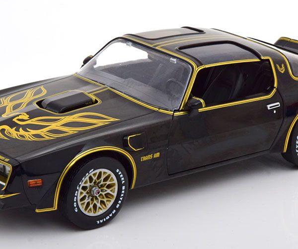 Pontiac Firebird T/A 1977 Zwart / Goud 1-18 Greenlight Collectibles