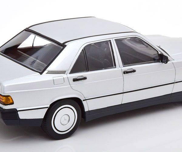 Mercedes-Benz 190E ( W201 ) 1982 Zilver 1-18 Minichamps Limited 504 Pieces