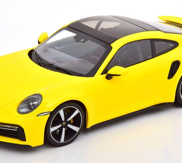 Porsche 911 Turbo S 2020 Geel 1-18 Minichamps Limited 302 Pieces