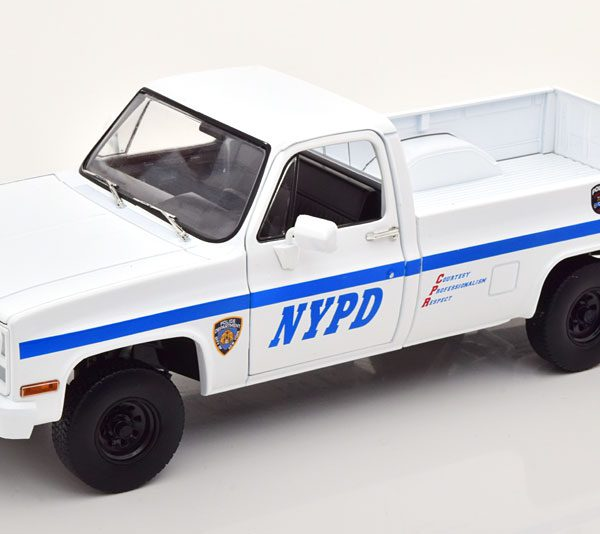 Chevrolet CUCV M1008 Pick Up 1984 New York City Police Department ( NYPD ) Wit 1-18 Greenlight Collectibles