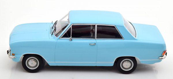 Opel Kadett B 1965 Lichtblauw 1-18 KK Scale ( Metaal )