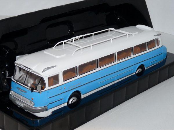 Ikarus 66 1972 Lichtblauw / Wit 1-43 Ixo Models