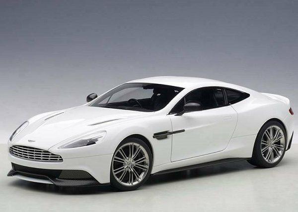 Aston Martin Vanquish 2015 White 1-18 Autoart