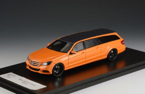 Mercedes-Benz ( Binz ) S212 T Lang 2015 Oranje / Zwart 1/43 GLM Models
