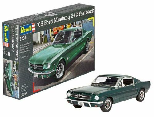 Ford Mustang 2+2 Fastback 1965 Model Car Kit 1-24 Revell