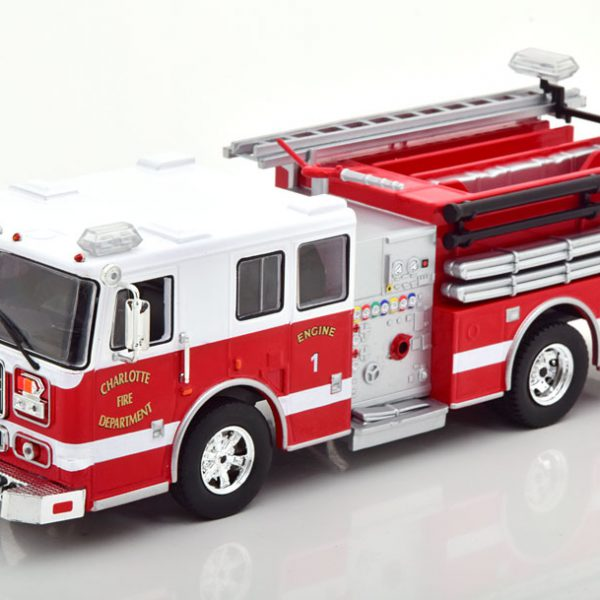 "Seagrave Marauder II ""Charlotte Fire Department"" Wit / Rood 1-43 Ixo Models"