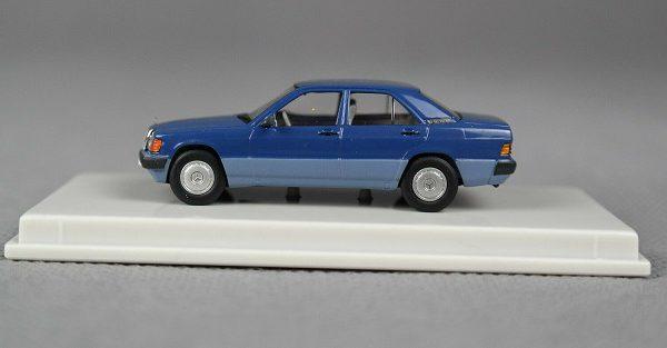 Mercedes-Benz 190E (W201) Blauw 1-87 Brekina