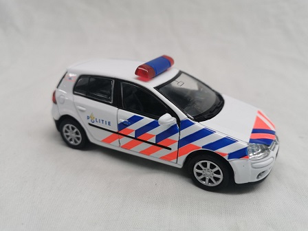 Volkswagen Golf V ( Nederlandse Politie )1-36 Welly