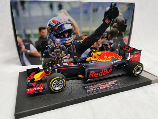 Red Bull Racing Tag Heuer RB12 Winner Max Verstappen 2nd Place Austria GP 2016 Including Figure 1-18 Minichamps Limited 1000 pcs Fanclub Edition