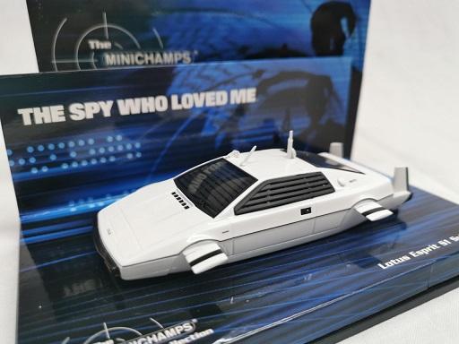 """Lotus Esprit S1 Submarine """"James Bond 007"""" Wit 1-43 Minichamps Bond Collection"""