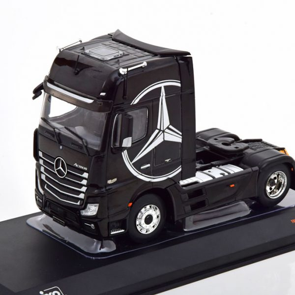 Mercedes-Benz Actros MP4 2012 Zwart / Zilver 1-43 Ixo Models