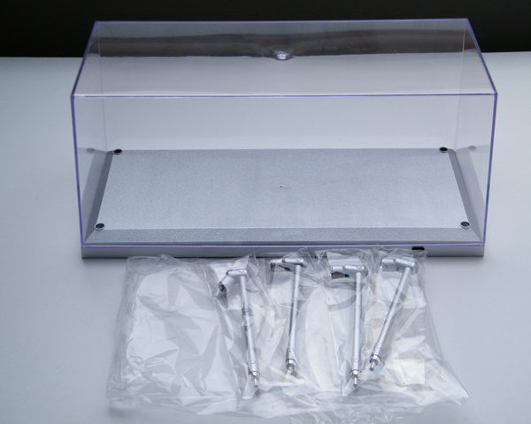 Vitrine met Led verlichting ( Zilver bodemplaat ) 1-18 Triple 9