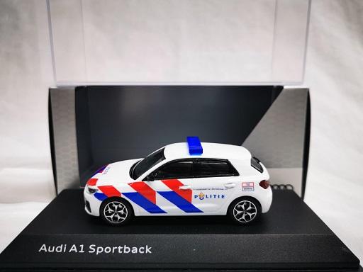 Audi A1 Sportback Nederlandse Politie Ombouw ( New Striping ) 1-43 Iscale