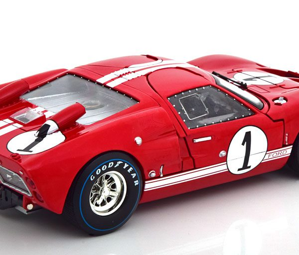Ford GT40 MK II #1 Winner 12Hrs Sebring 1966 Miles/Ruby Rood 1-18 Shelby Collectibles
