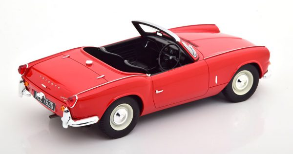 Triumph Spitfire MKII Roadster 1965 Rood 1-18 Cult Scale Models