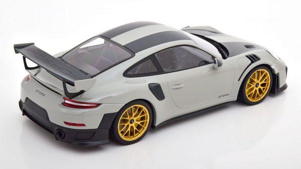 Porsche 911 (991/2) GT2 RS Chalk Weissach Package ( met Gouden Velgen ) 2018 Grijs 1-18 Minichamps Limited 300 Pieces