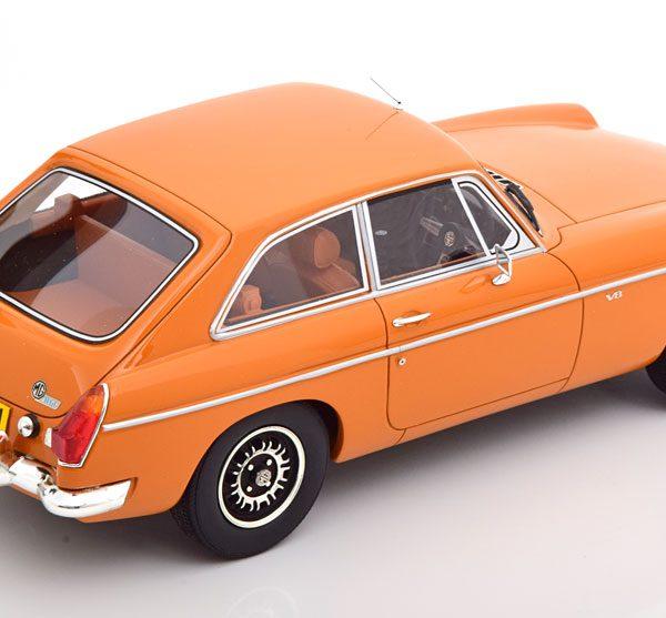 MG B GT V8 ( RHD ) 1973 Oranje 1-18 Cult Scale Models ( Resin )